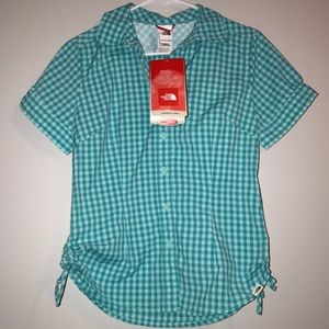NEW NORTH FACE Button down Size small Blue